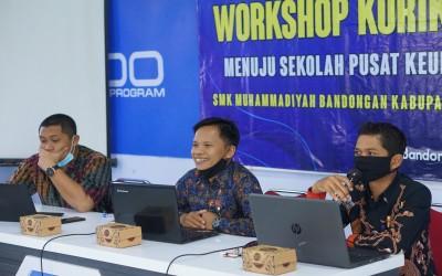 Workshop Kurikulum Menuju Sekolah Pusat Keunggulan